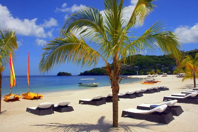 Buccament Bay, St. Vincent & the Grenadines, best beaches of St. Vincent & the Grenadines, Windward Islands, best beaches of the Windward Islands, Lesser Antilles Vacations, Best beaches of the Lesser Antilles, best beaches in the Caribbean