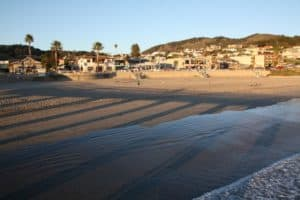 Avila Beach City Beach, just off Highway 1 on California's central coast is a road that takes you through a lush oak valley lined with transformative spas featuring natural, mineral hot springs, world-class massage, yoga instruction, and sense therapies.