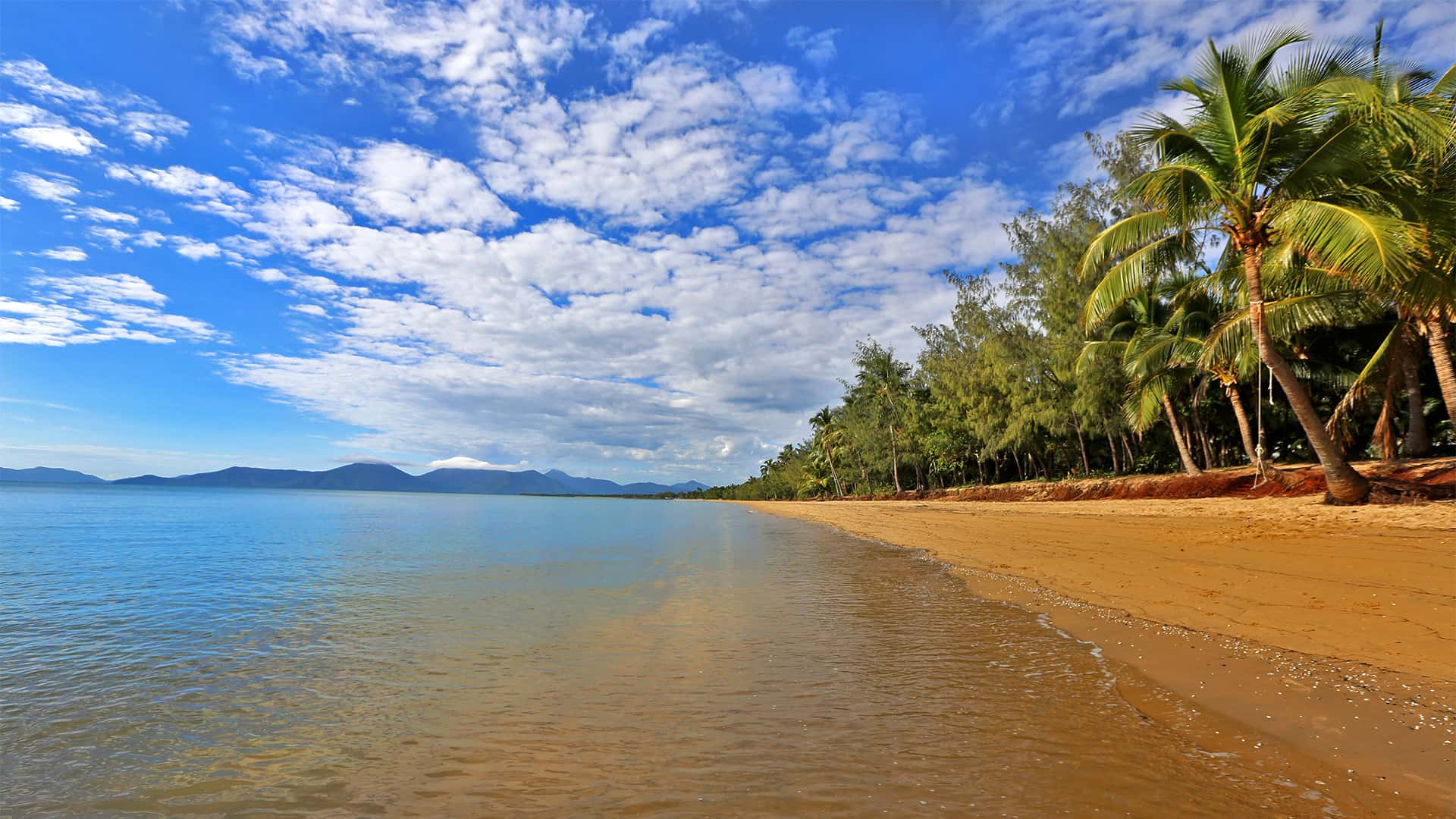 Holloways Beach, Cairns Australia