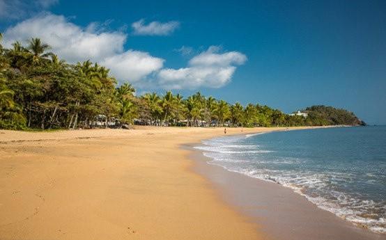 Machans Beach, Cairns Australia