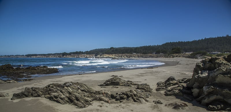 walk-on-beach-in-sea-ranch