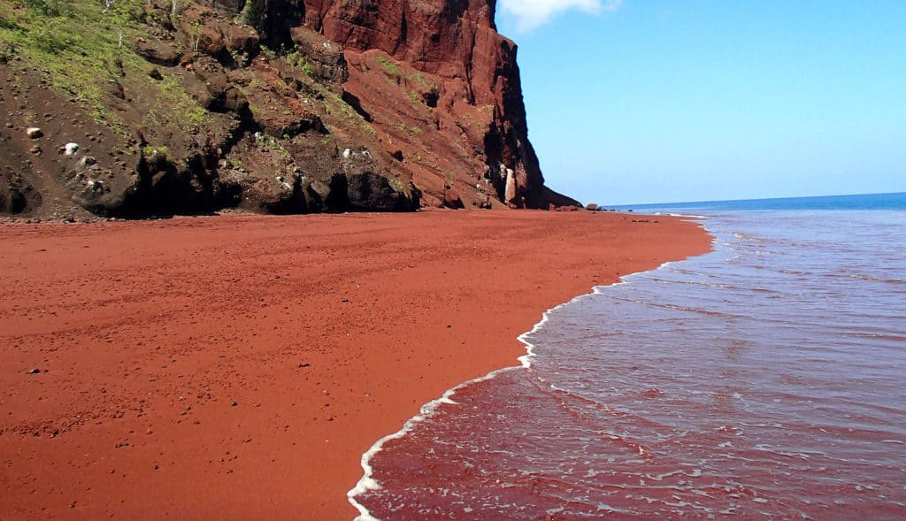 Red Beach, Santorini, Greece, best beaches of Greece, best beaches in Greece, Greece beaches, beach travel destinations