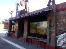 Vic's Sports Bar, Loreto bars and nightlife, Loreto vacations, best beaches of Loreto, Baja Peninsula beaches, Sea of Cortez beaches