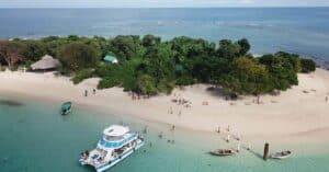 Ile-A-Rat, Haiti beaches, best Caribbean beaches, beach travel, best Haiti hotels, best Haiti restaurants, best Haiti bars, Haiti tours