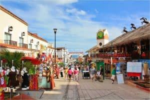 La Quinta Avenida, Playa Del Carmen, Quintana Roo, Yucatan Peninsula, Playa Del Carment beaches, best beaches of Mexico, Playa Del Carmen Restaurants, Playa Del Carmen Nightlife, things to do in Playa del Carmen
