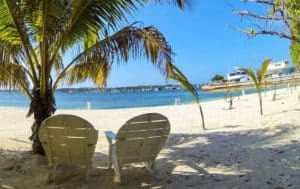 Bando Beach, Roatan Honduras Travel Guide, Roatan beaches, best hotels in Roatan, best restaurants in Roatan, things to do in Roatan, Top 20 Beaches in the world, best beaches in the world, Honduras beaches