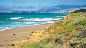 Moonstone Beach Park, Cambria CA, Cambria CA travel guide, best hotels in Cambria, best restaurants in Cambria, best bars in Cambria, best things to do in Cambria, Cambria attractions, Central California beaches, California beaches