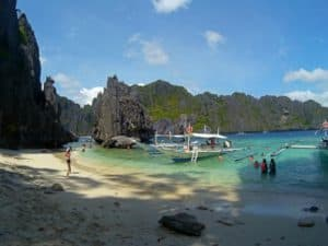 Simizu Island, best bars in El Nido, Best restaurants in El Nido, El Nido beaches, Most beautiful beaches in the world, Nacpan Beach El Nido Philippines, things to do in El Nido, Top Beaches in the world