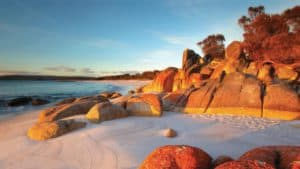Bay of Fires, Tasmania Australia, Tasmania Travel Guide, Tasmania beaches, Australia beaches, things to do in Tasmania, best hotels in Tasmania, best restaurants in Tasmania, best bars in Tasmania