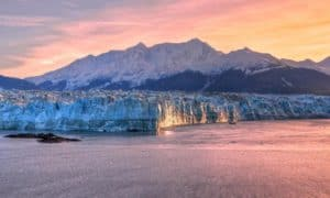 Hubbard Glacier, Yakutat Alaska, Yakutat beaches, surfing in Yakutat, best hotels in Yakutat, things to do in Yakutat, Yakutat Alaska Travel Guide