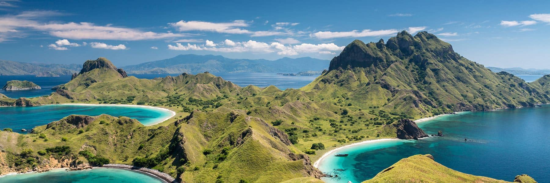 Komodo Island, Top 10 snorkeling spots, best snorkeling in the world, best snorkeling locations, beach travel, beach travel destinations, best snorkeling, snorkeling gear guide