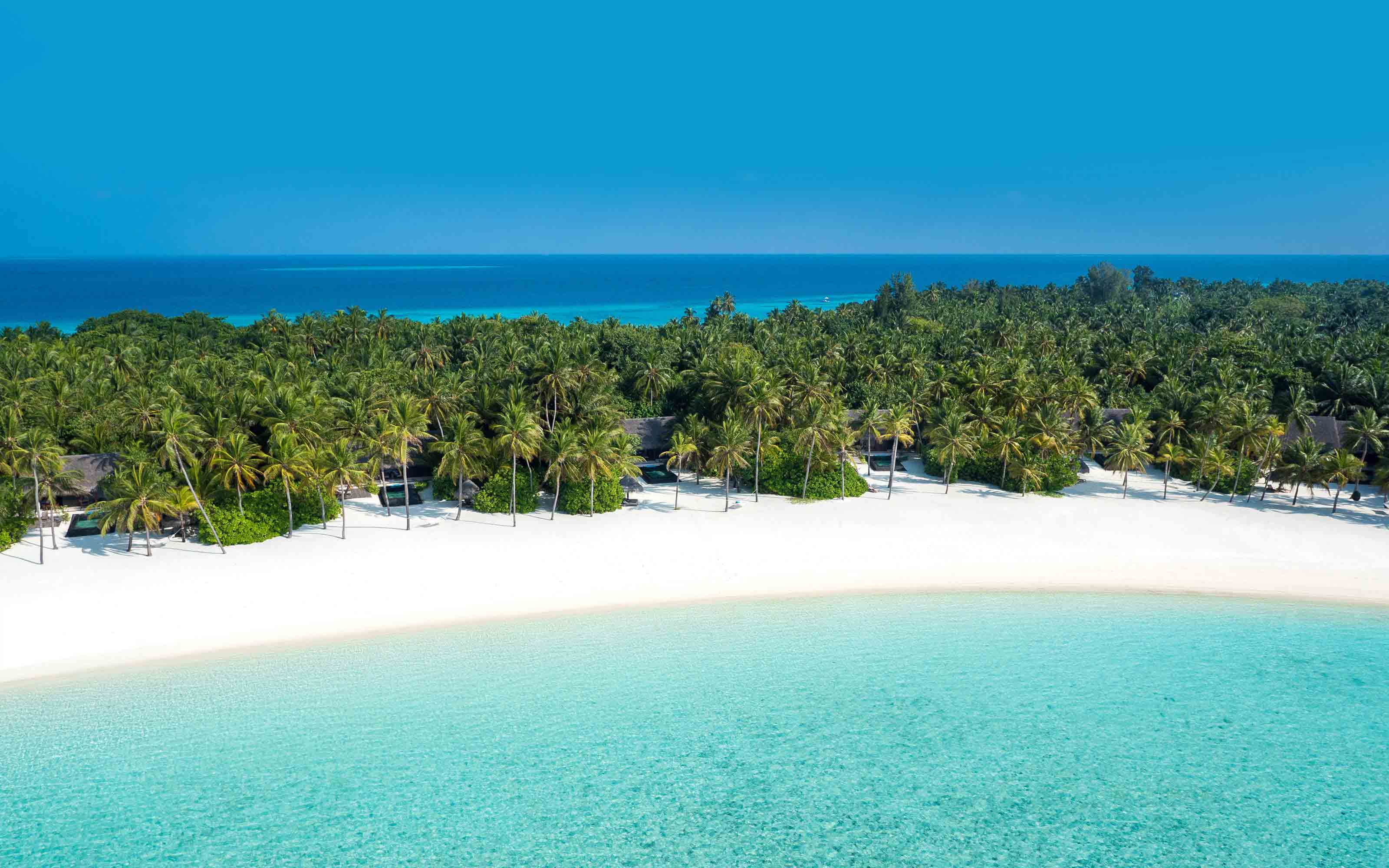 Reethi Rah Beach, The Maldives Travel Guide, best Maldives beaches, best beaches of Asia, beach travel, best hotel in the Maldives, best restaurants in the Maldives, best nightlife in the Maldives, Maldives beaches, Maldives luxury resorts