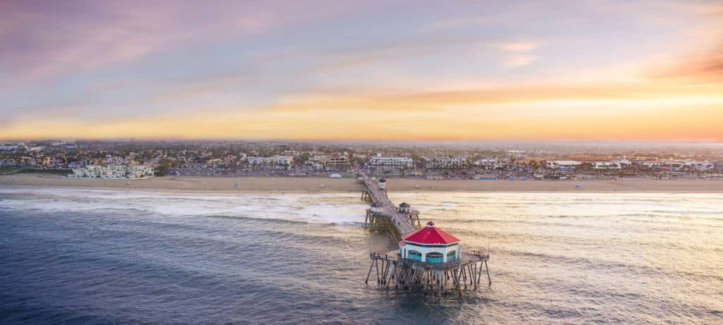 Huntington Beach California, Best Surfing Towns, best surf towns, best surf towns in the USA, best surfing in the USA, surfing towns, beach travel, beach travel destinations