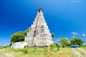 Ancien Phare de Topaka - Fakarava, Tuamotus Islands, Tuamotu beaches, best beaches of French Polynesia, French Polynesia beaches, Rangiroa, Fakarava, Manihi, Tikehau, Makemo, Mataiva, things to do in Tuamotus, Tuamotus attractions, best Tuamotus hotels, best Tuamotus resturants