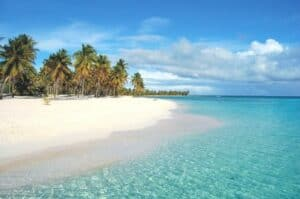 This image has an empty alt attribute; its file name is Isla-Saona-300x199.jpg