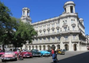 This image has an empty alt attribute; its file name is Museo-Nacional-de-Bellas-Artes-de-La-Habana-300x214.jpg