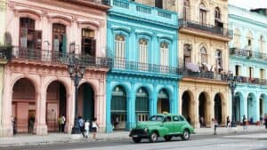 This image has an empty alt attribute; its file name is Old-Havana-Habana-Vieja-300x169.jpg
