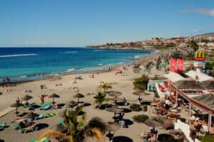 This image has an empty alt attribute; its file name is Playa-de-las-Americas-300x200.jpg