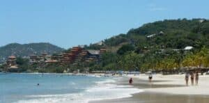Playa La Ropa, Zihuatanejo Vacations, Zihuatanejo beaches, Mexican Riviera, Mexican Riviera Beaches, best beaches in Mexico. Zihuatanejo tours & activities, best Zihuatanejo hotels, best Zihuatanejo restaurants, best Zihuatanejo bars, things to do in Zihuatanejo