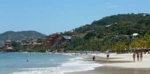 Playa La Ropa, Zihuatanejo Vacations, Zihuatanejo beaches, Mexican Riviera, Mexican Riviera Beaches, best beaches in Mexico. Zihuatanejo tours & activities, best Zihuatanejo hotels, best Zihuatanejo restaurants, best Zihuatanejo bars, things to do in Zihuatanejo