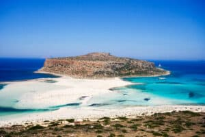 This image has an empty alt attribute; its file name is Balos-Lagoon-300x200.jpg