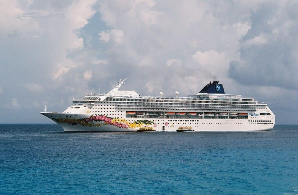 5 Best Cruise Ship Vacations, Norwegian Cruise line, Photo by OneCyclone / CC-BY-SA-3.0