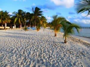 Playa Lancheros,  Isla Mujeres, Yucatan Peninsula, Isla Mujeres beaches, Isla Mujeres restaurants, Isla Mujeros night life, Isla Mujeros things to do, Mexico beaches, best beaches in Mexico, best Isla Mujeres hotels, Isla Mujeres tours & activities