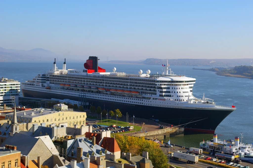 5 Best Cruise Ship Vacations, Cunard Queen Mary 2, photo by Clicgauche / CC0