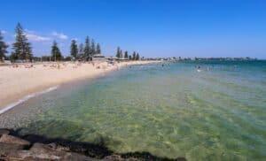 Elwood Beach, Melbourne Australia, Melbourne Australia beaches, best Australia beaches, things to do in Melbourne Australia, best hotels in Melbourne Australia, best restaurants in Melbourne Australia, best bars in Melbourne Australia, beach travel