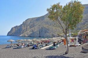 Kamari Beach, Santorini Greece, The Cyclades, best Santorini beaches, best Santorini hotels, best Santorini restaurants, best Santorini bars, things to do in Santorini, recommended Tours & activities