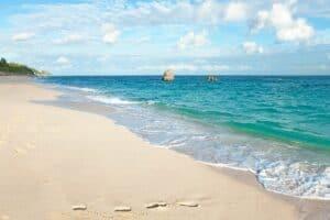 Warwick Long Bay Beach, best Bermuda Beaches, Bermuda Travel Guide, best Bermuda hotels, best Bermuda restaurants, best Bermuda tours & activities, things to do in Bermuda, best Bermuda bars, Bermuda Travel Guide