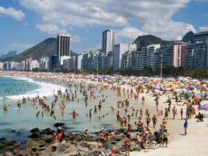 Copacabana Beach, Rio de Janiero Brazil, Awesome Luxury Hotels in Rio de Janeiro Brazil, best time to visit Rio de Janeiro, best Rio de Janeiro beaches, best Rio de Janeiro restaurants, best Rio de Janeiro bars, best Rio de Janeiro tours & Activities,