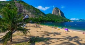 Vermelha Beach, Rio de Janiero Brazil, Awesome Luxury Hotels in Rio de Janeiro Brazil, best time to visit Rio de Janeiro, best Rio de Janeiro beaches, best Rio de Janeiro restaurants, best Rio de Janeiro bars, best Rio de Janeiro tours & Activities,
